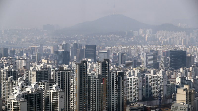 서울 아파트 최악 '거래절벽'…2월 매매 '10분의 1 토막'