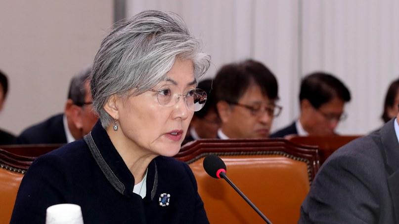 강경화  '김정은 답방 이뤄지길'…김영남 '계속 힘 합쳐 나가자'