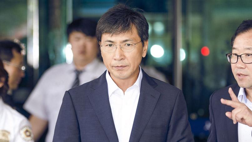 '비서 성폭행 혐의' 안희정, 2심 첫 재판 출석…'죄송, 드릴 말씀 없다'