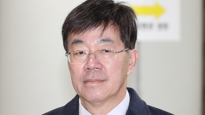 이영렬 전 지검장, 복직 하루만에 사표…'검찰서 할 일 남지 않아'