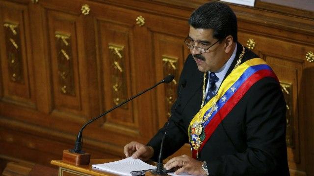 [Al jazeera] Less paper, more Maduro: Vanezuela's media crisis | The Listening Post (Full)
