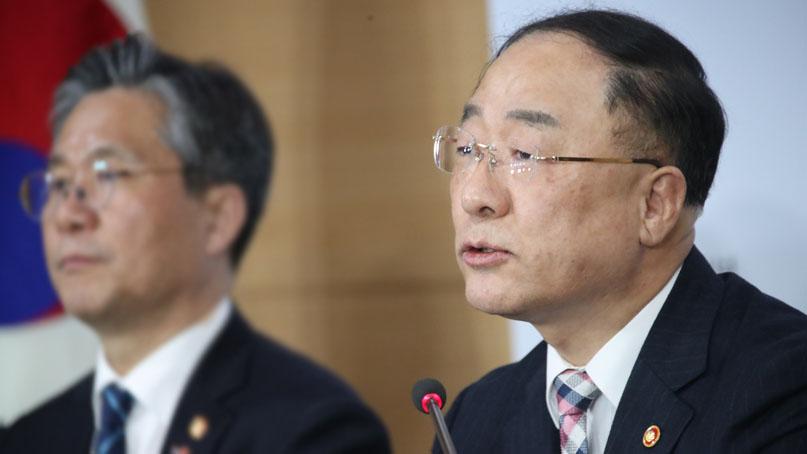 정부, 소득분배지표 악화에 '무거운 책임감 느낀다'