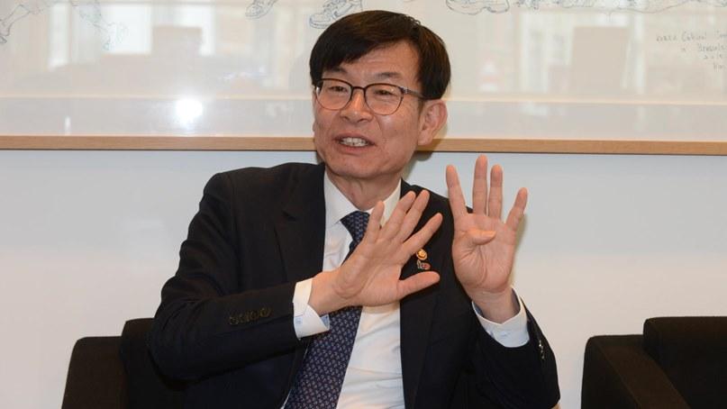 김상조, 구글 '안드로이드 OS 묶음판매' 조사 시사