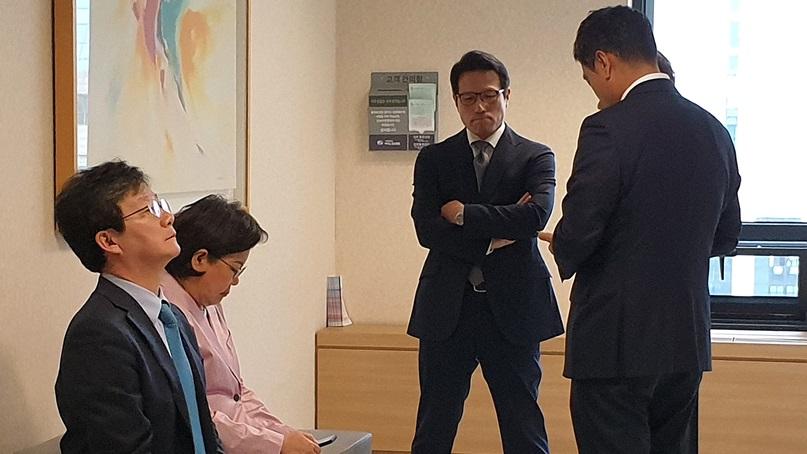 유승민 '오신환 교체 막아야…문희상 병원 가겠다'