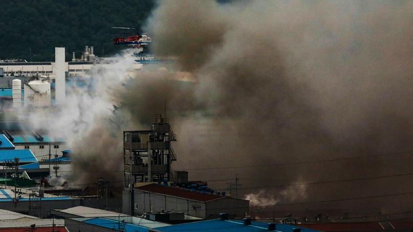 구미 공장 화재 4시간 반 만에 완진…'인명피해 없어'