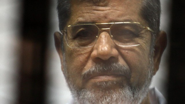 [Al jazeera] Egypt's ex-President Mohamed Morsi dies after court appearance