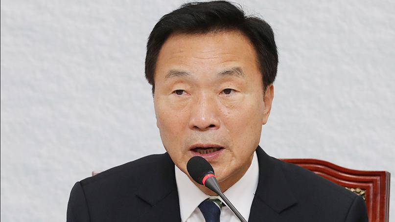 손학규 '靑경제팀 '그 나물에 그 밥'…北선박 진상규명 필요'