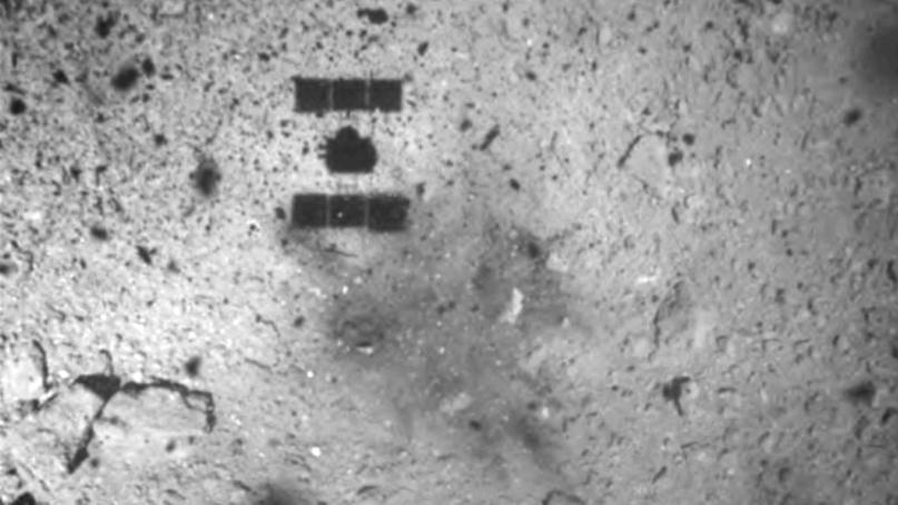 日 하야부사2, '류구' 2차 착륙…'세계 첫 지하물질 채취 성공'