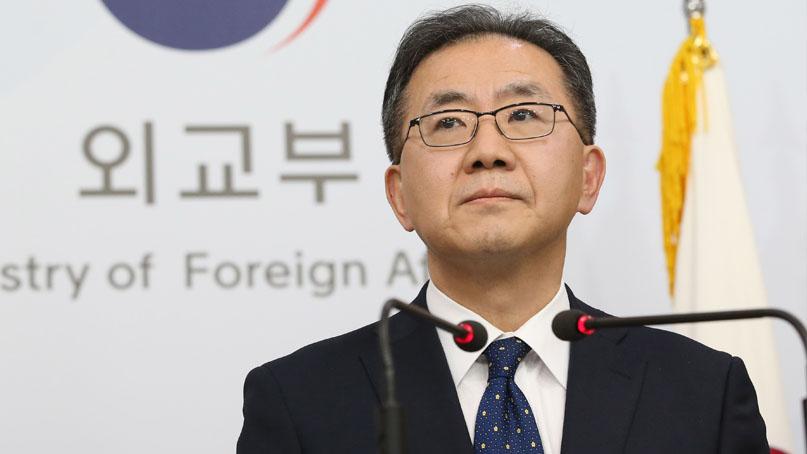 외교부 '한국이 약속 어겼다는 日아베 주장 수용 못해'