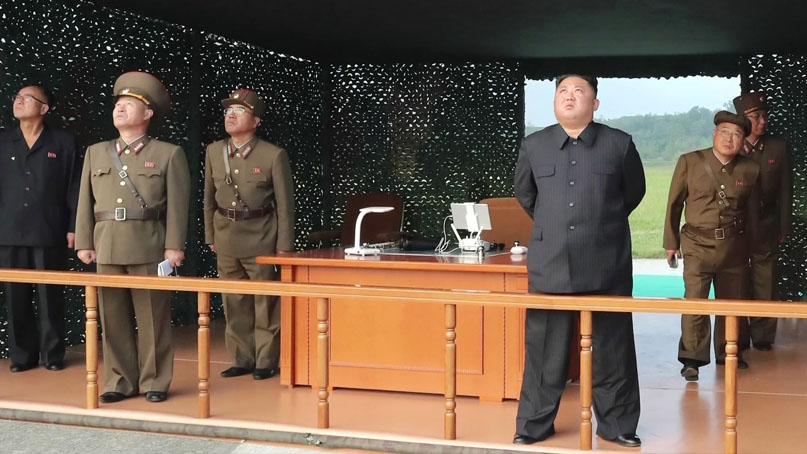 北노동신문 '어제 초대형 방사포 시험사격…김정은 지도'