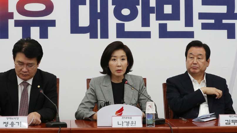 한국당, '조국 해임건의' 야권공조 모색 강화…'국론분열 막자'