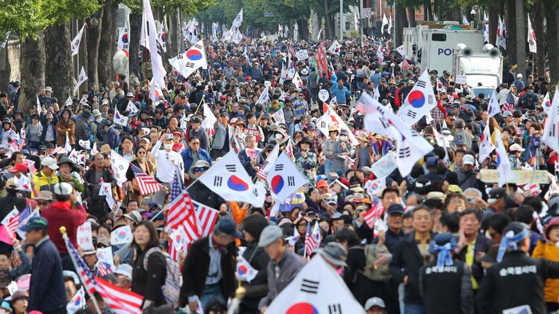 [영상뉴스] 광화문의 성난 민심…'평범한 중산층'이 움직였다