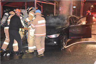 건물 주차된 BMW 차량서 또 화재…'인명피해는 없어'