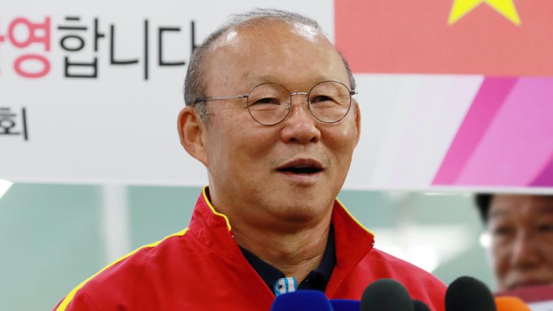 '금의환향' 박항서 '내년 목표는 올림픽·월드컵 예선 통과'
