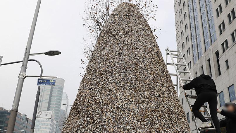 환경단체 '플라스틱으로 구성된 담배꽁초, 재활용해야'