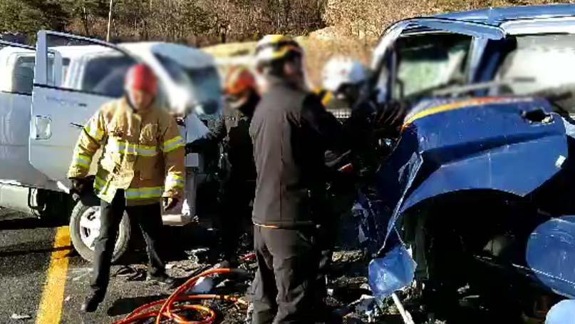 완주에서 1톤 트럭끼리 충돌…운전자 2명 사망