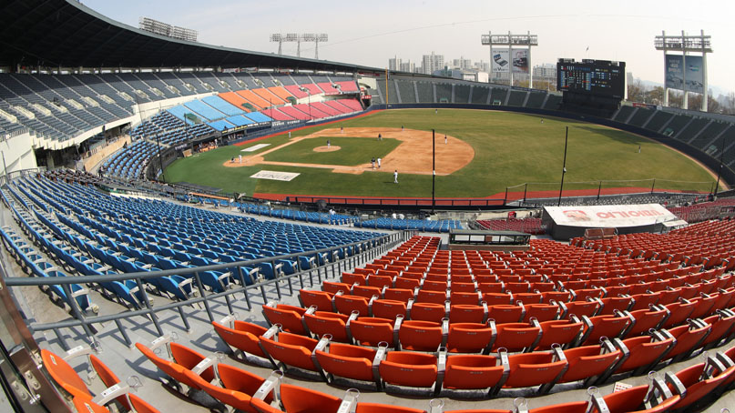 '겨울 야구' 현실화되나…2020시즌 프로야구 개막 재차 연기