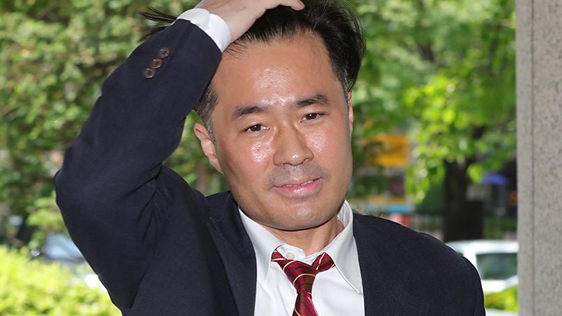 檢, '손석희 공갈미수 혐의' 김웅 징역 1년6개월 구형