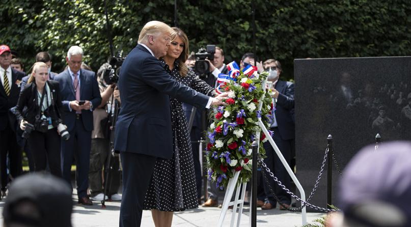 트럼프, 6·25전쟁 기념비 찾아 헌화…'한반도 정세에 우려 표명'