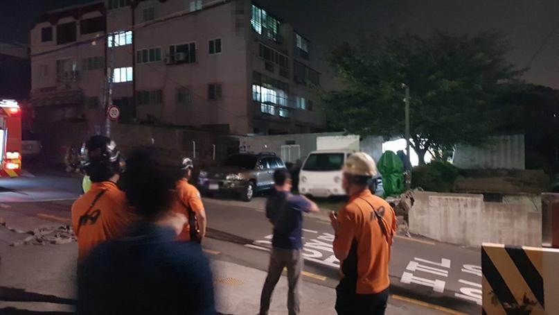 부산서 50대 남성이 인화물질 뿌리고 난동…'생활고 비관 추정'