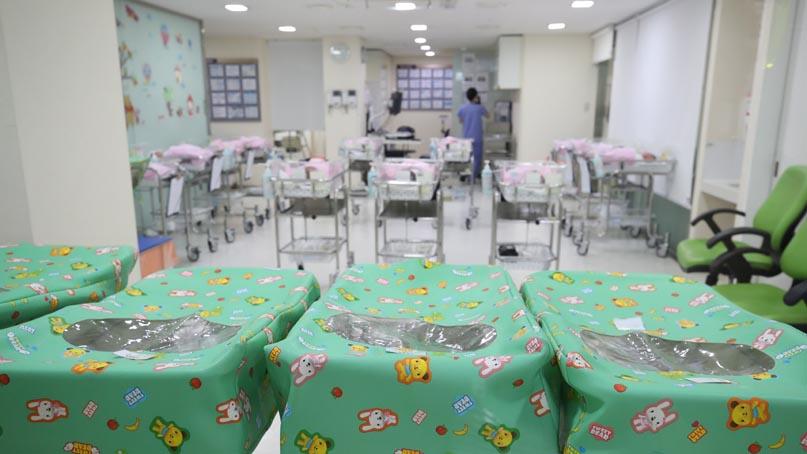 인구 자연감소 사상 첫 9개월 연속…7월 출생아 역대 최소