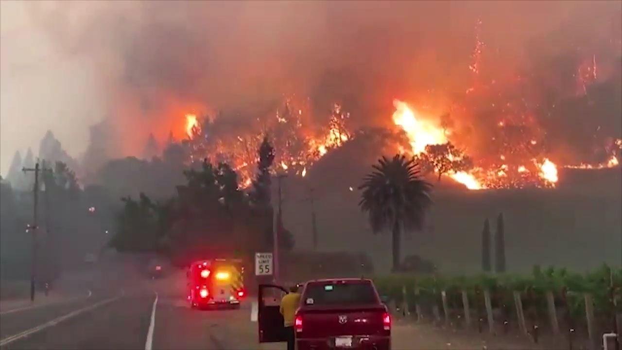 美 캘리포니아 대형산불로 3명 숨져…유명 와이너리도 불타
