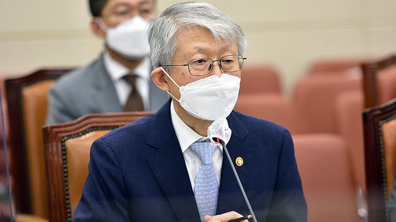 최기영 장관 '코로나19 백신개발,국가가 끝까지 책임'
