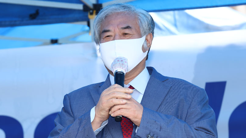 경찰, '방역 방해' 혐의 전광훈 목사 구치소 접견조사
