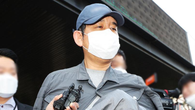 '라임 로비한 변호사 방문했다'던 김봉현, 재판에선 '접촉해온 사람 없다'