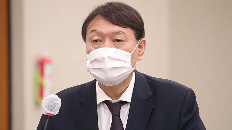 윤석열 작심발언 '秋 지휘권 위법·비상식적…총장은 법무장관 부하 아냐'