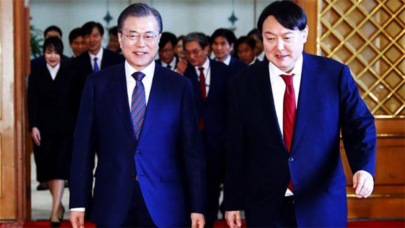 [취재후 Talk] 文 대통령, 윤석열 검찰총장 직무정지에 왜 침묵하나?
