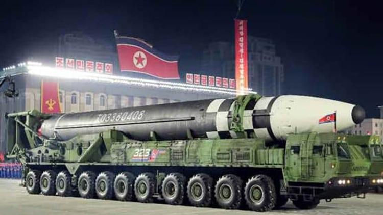 軍 '어젯밤 열병식 정황 포착'…美 자극할 핵전력 과시할지 관심