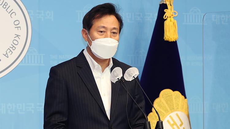 [취재후 Talk] 오세훈의 '조건부 출마선언'이 엉키게 한 '단일화 논의'
