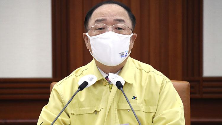 홍남기 '올해 상반기 공공기관 45% 채용'