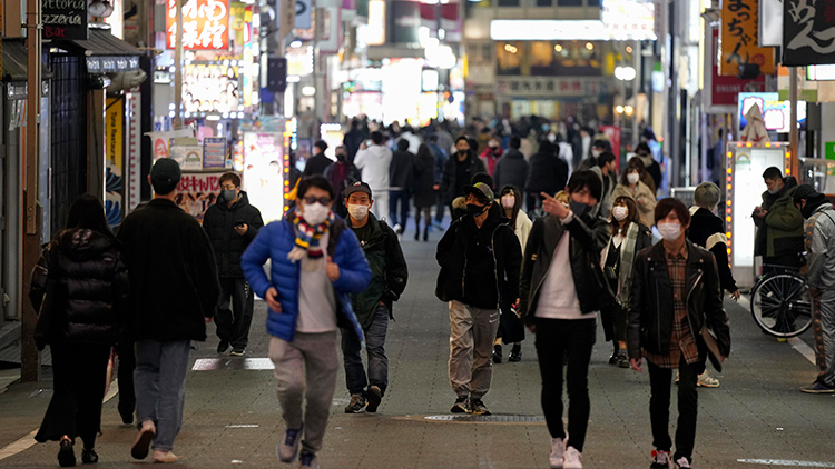 日코로나 신규확진 다시 6천명대…'준긴급사태' 도입