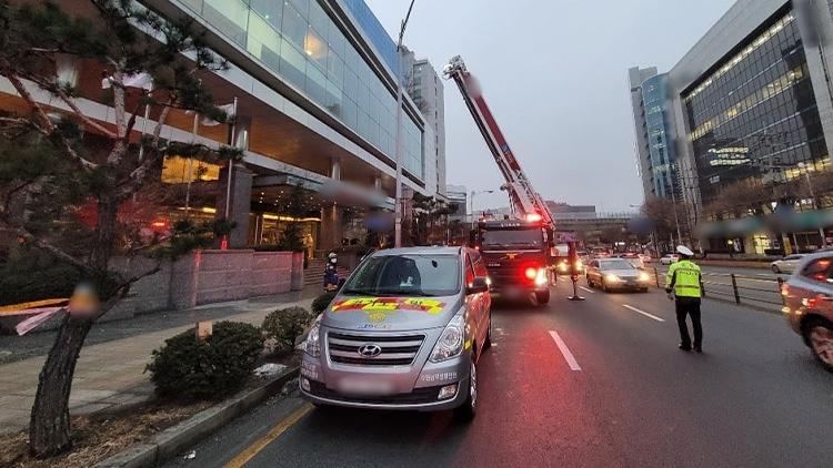 수원 호텔 식당서 동파 배관 용접하다 화재…작업자 1명 사망