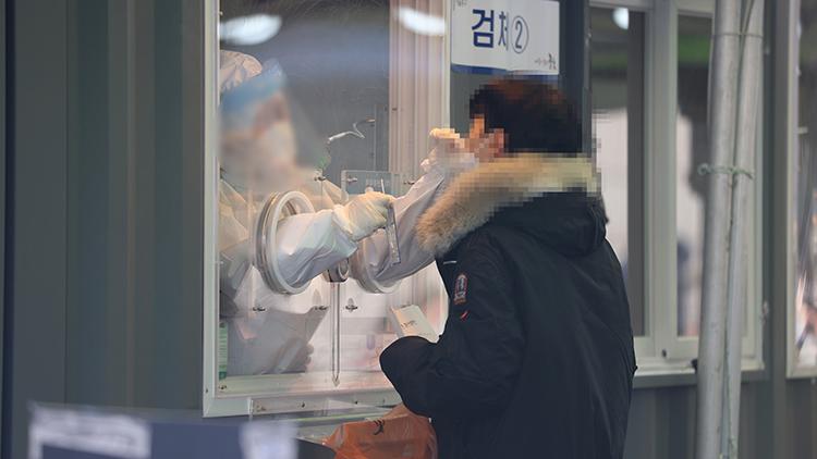 코로나19 신규 확진자 엿새째 500명대 유지