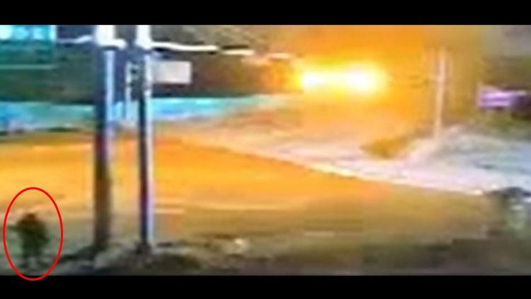 [취재후 Talk] 귀순자 CCTV '풀버전' 보니…北 남성이 20초간 바라본 표지판은 '검문소'