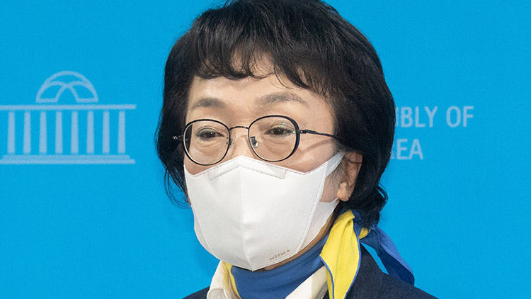 김진애 '승리하는 단일화 위해 의원직 사퇴'…김의겸, 비례 승계