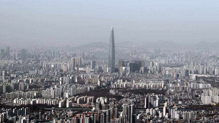 중국발 황사에 뒤덮힌 한반도…전국 미세먼지 '매우 나쁨' 수준