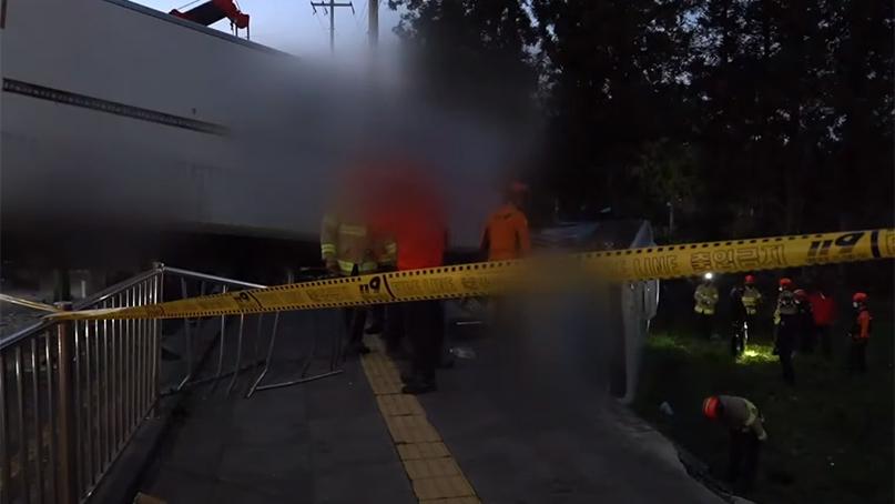 제주서 버스-트럭 4중 추돌…4명 사망·50여명 부상