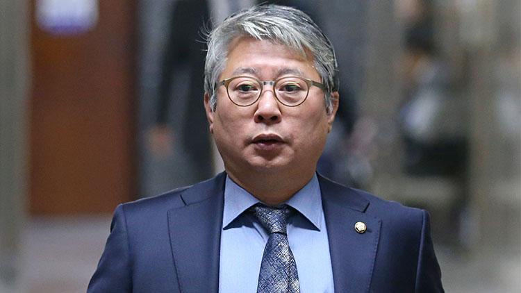 '요즘 법무·검찰, 고려시대 무신정권 행태'…조응천도 박범계·이성윤 작심비판