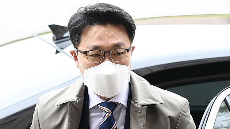 '이규원 수사중' 발언에 진땀 뺀 김진욱…공수처 '검토 의미' 번복 소동