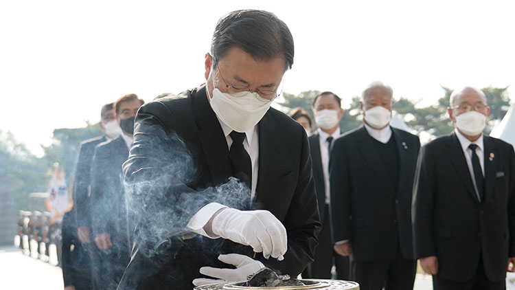 文 '혁명은 왜 고독한 것인가를'…4·19혁명 주역에 김수영 詩 헌정