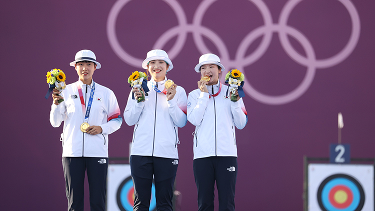 女 양궁 단체전 '올림픽 9연패' 달성…안산, 2관왕
