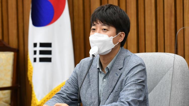 '37살 당 대표가 철부지 애송이냐'…이준석, 국민의당에 '반격'