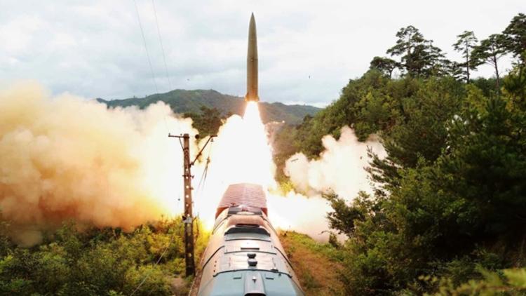 北, '정상회담' 언급 사흘만에 미사일 발사…'탄도미사일 가능성'