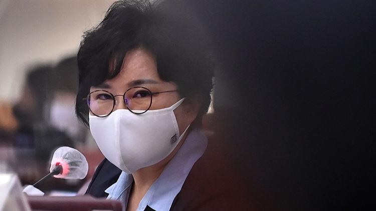 [취재후 Talk] '팩트' 강조하던 조수진의 내로남불…당내서도 '낯 뜨거운 오버액션'
