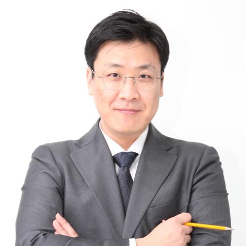 김수홍.jpg